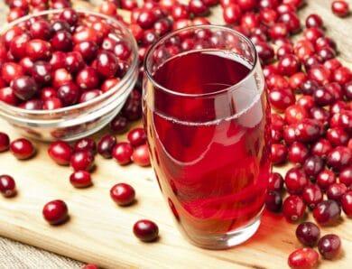 Диетический клюквенный сок и обычный клюквенный сок