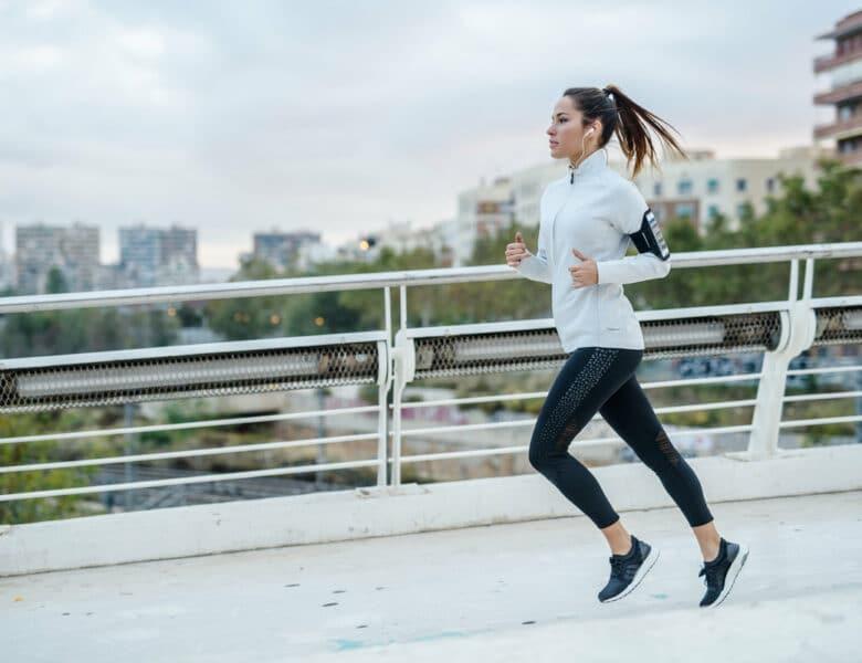 Независимо от вашего возраста, эти 4 общих фактора могут повлиять на потерю веса