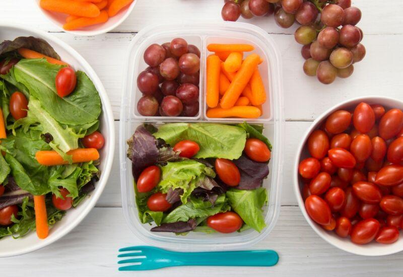 Овощи на тарелках