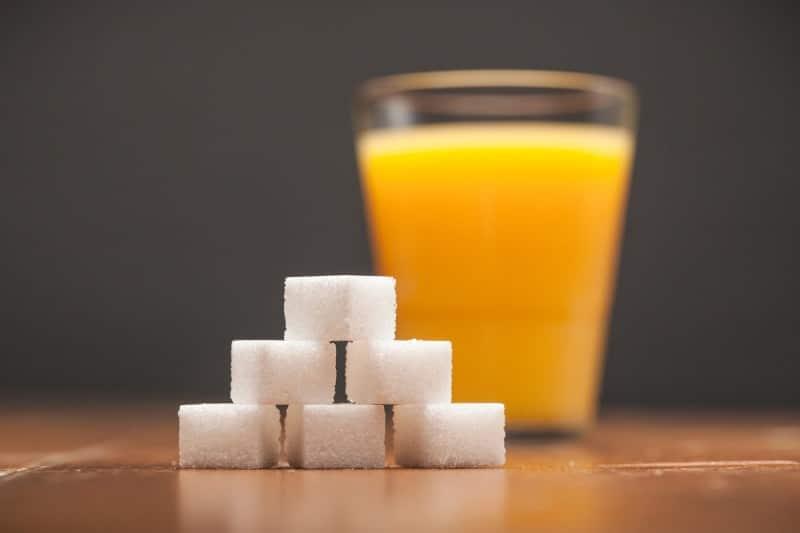 Фруктовый сок и сахар