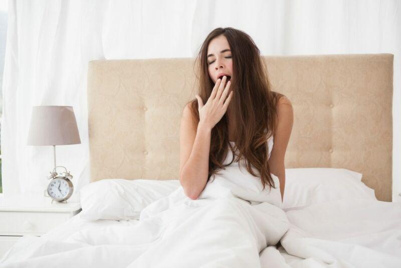 Эксперт рассказал сколько нужно спать и что есть перед сном для похудения!