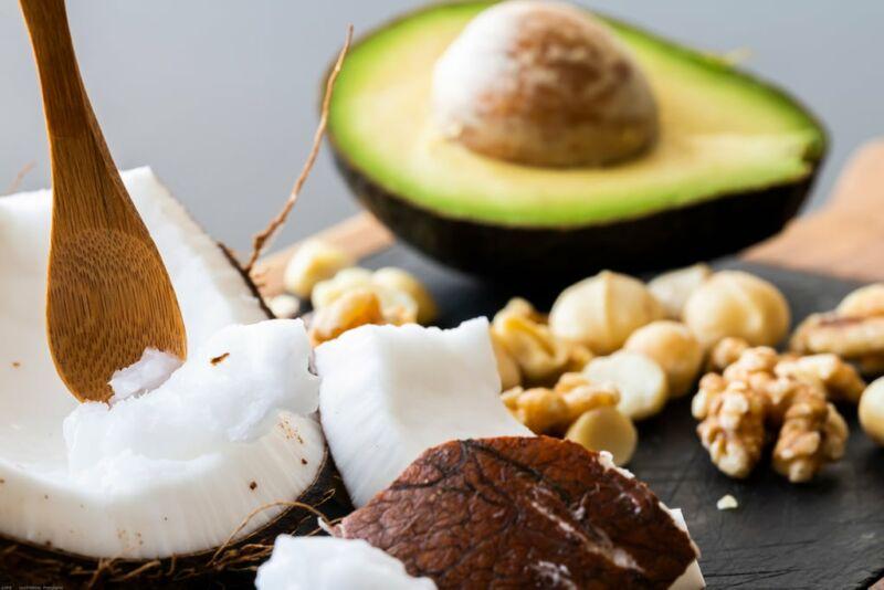 Авокадо, кокос и орехи