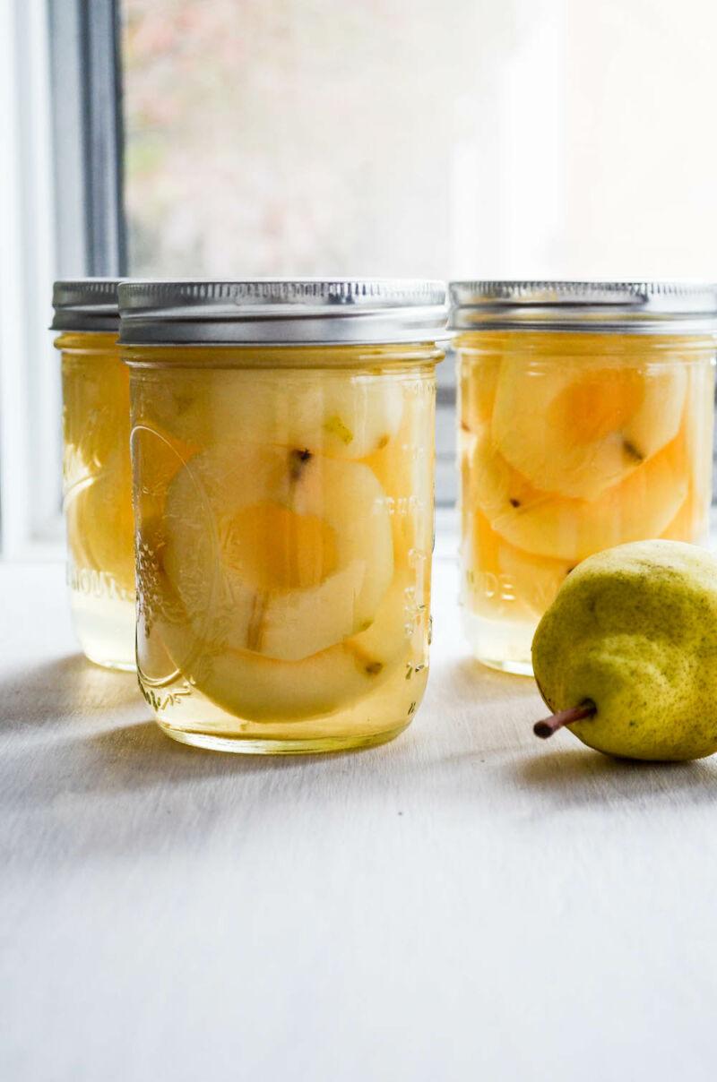 Консервированные фрукты в сиропе