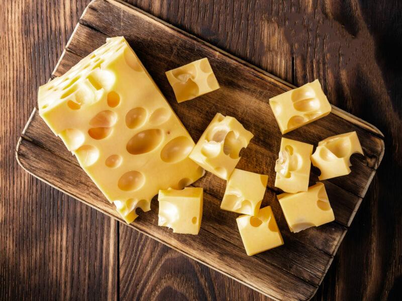 По мнению диетологов, эти сыры лучше всего есть и при этом худеть