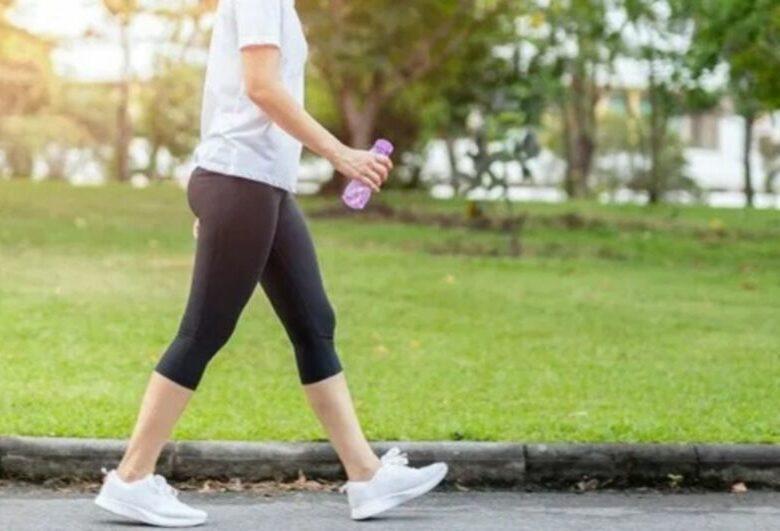 Эксперты выяснили, сколько шагов нужно сделать за день, чтобы похудеть