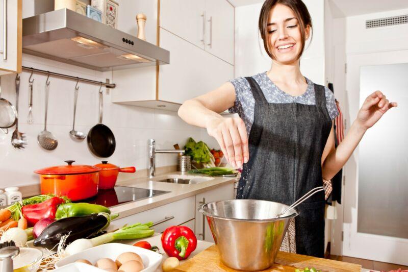 Эксперты рассказали, как избавиться от жира с помощью диеты, поскольку потеря веса зависит на 80% от того, что вы едите!