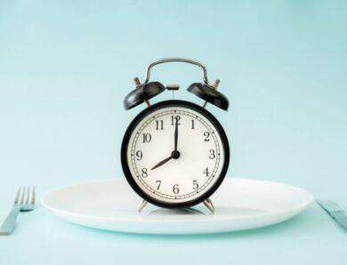 12-часовое интервальное голодание 12:12 для похудения и других преимуществ