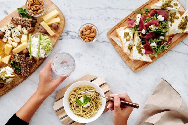 Преимущества медленного питания: вот почему вам нужно принять этот разумный подход к питанию