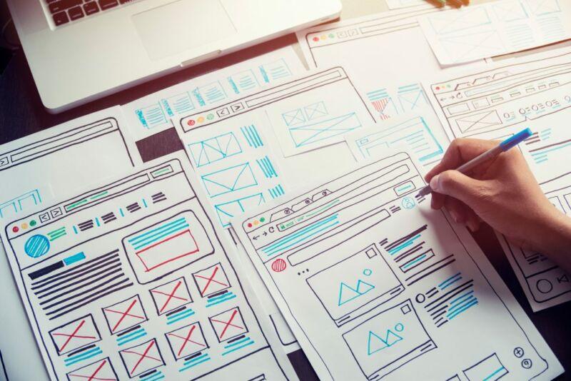 Графики и диаграммы на листах бумаги