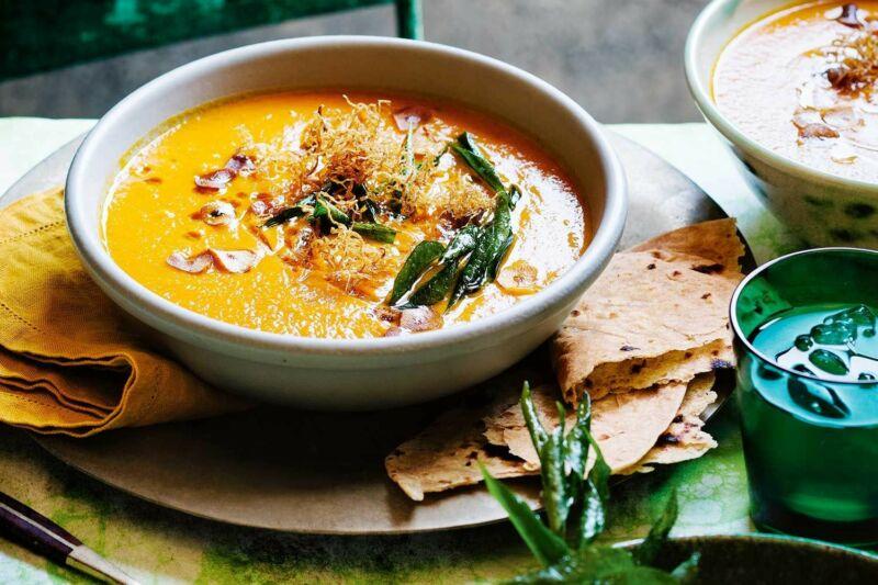 Пряный суп из моркови и чечевицы
