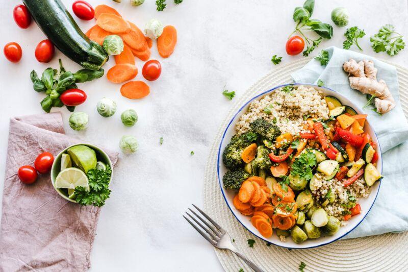 Салат с овощей и овощи