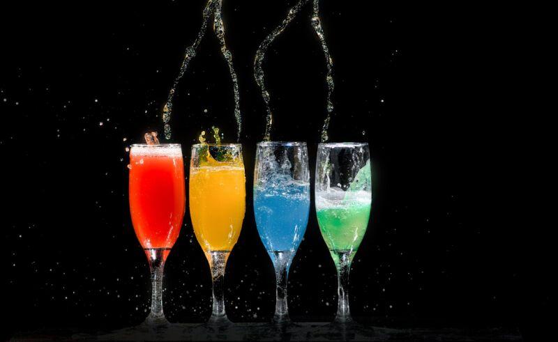 Удерживает ли алкоголь воду: вот что вызывает опухшее лицо на следующее утро