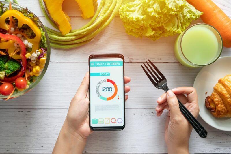 Продукты и телефон с калорийностью