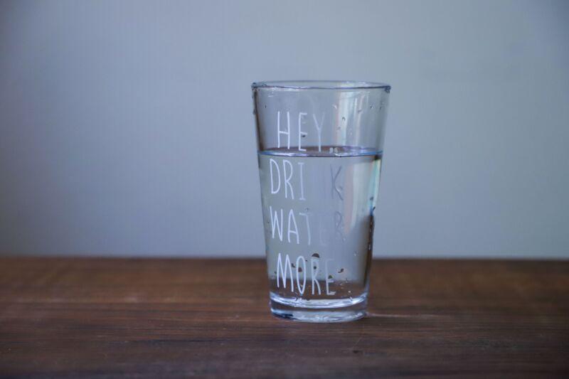 Важность питьевой воды в похудении: польза и советы