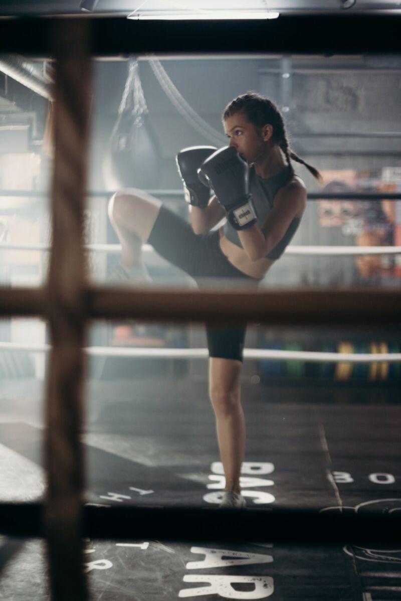 Женщина на ринге